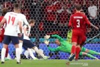 UEFA denda Inggris Rp516 juta terkait insiden laser