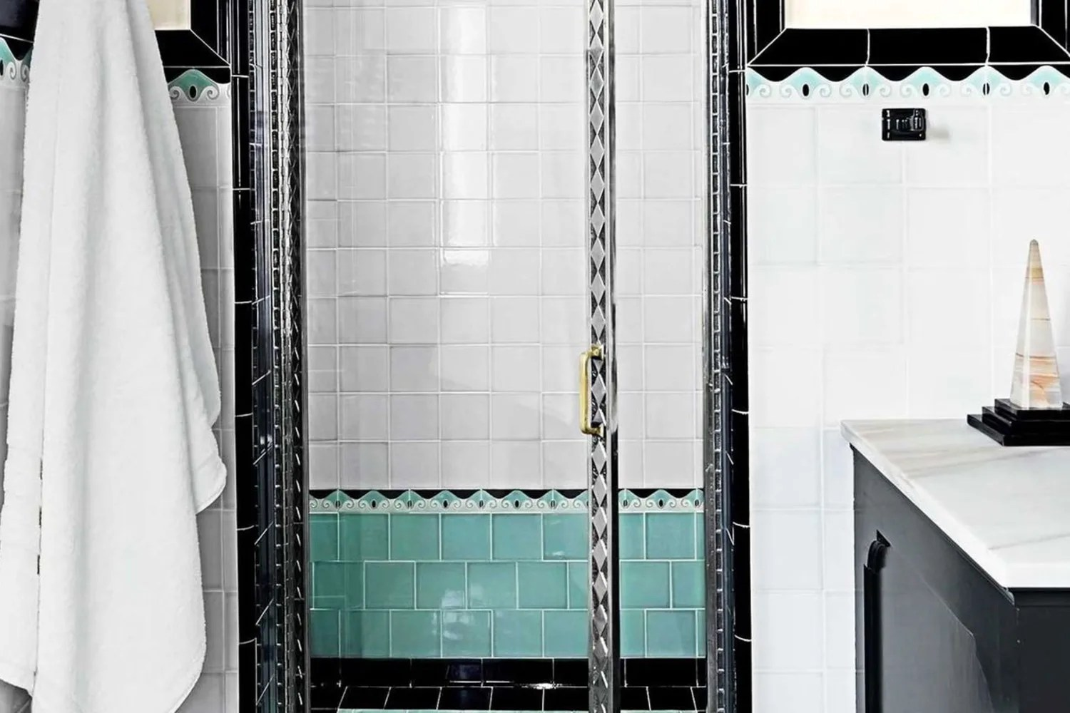 sources for colored vintage wall tile