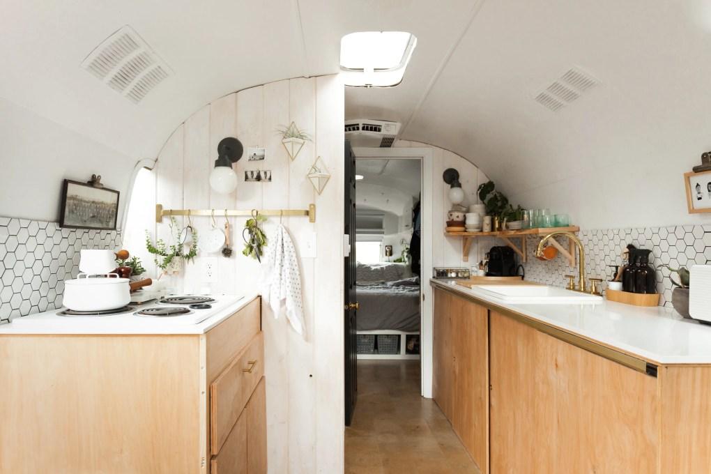 7 Tiny House Design Tricks to Try in Your Full-Sized Home; #HomeDesign #HomeTricks #HomeDecor