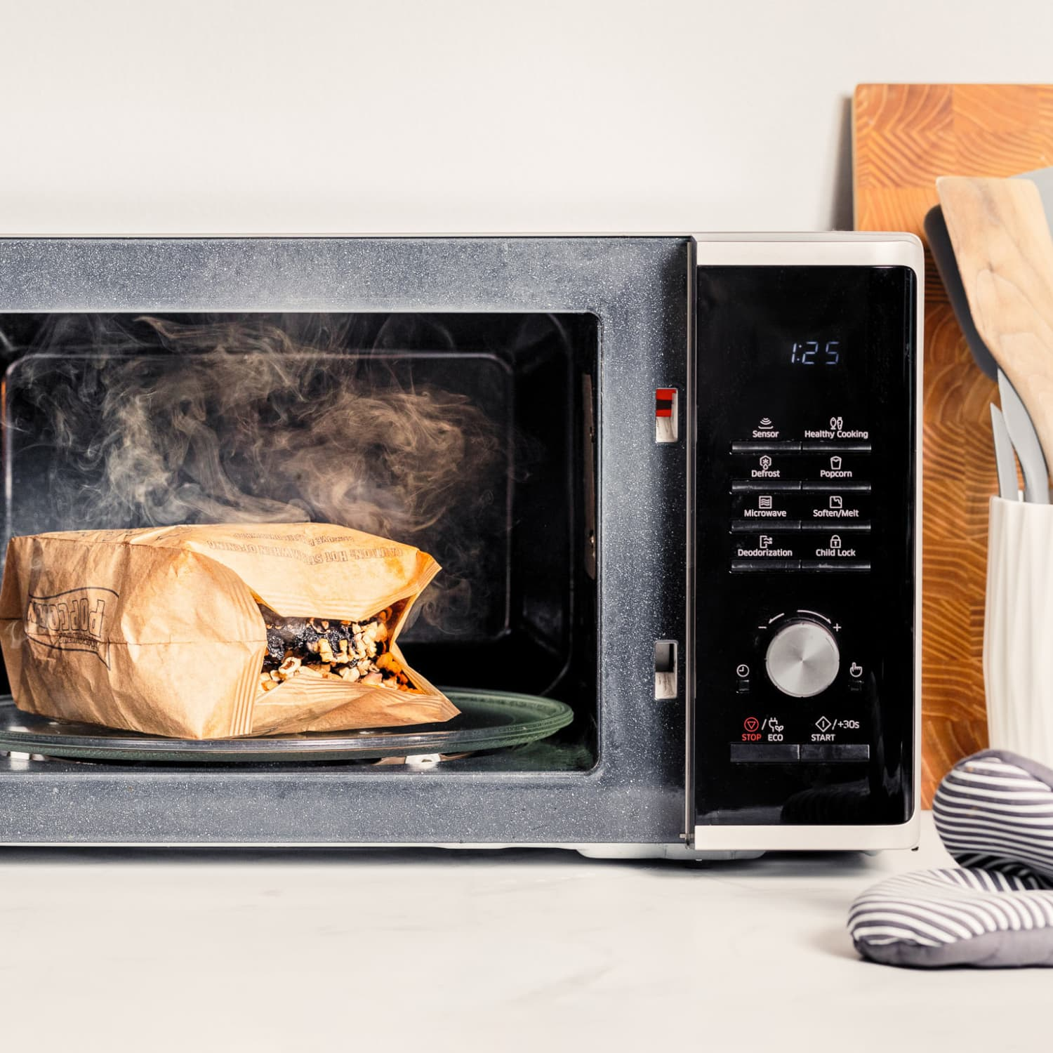 get rid of burnt smell in a microwave