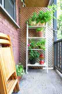 16 Apartment Patio Ideas How To Decorate An Apartment Patio Apartment Therapy
