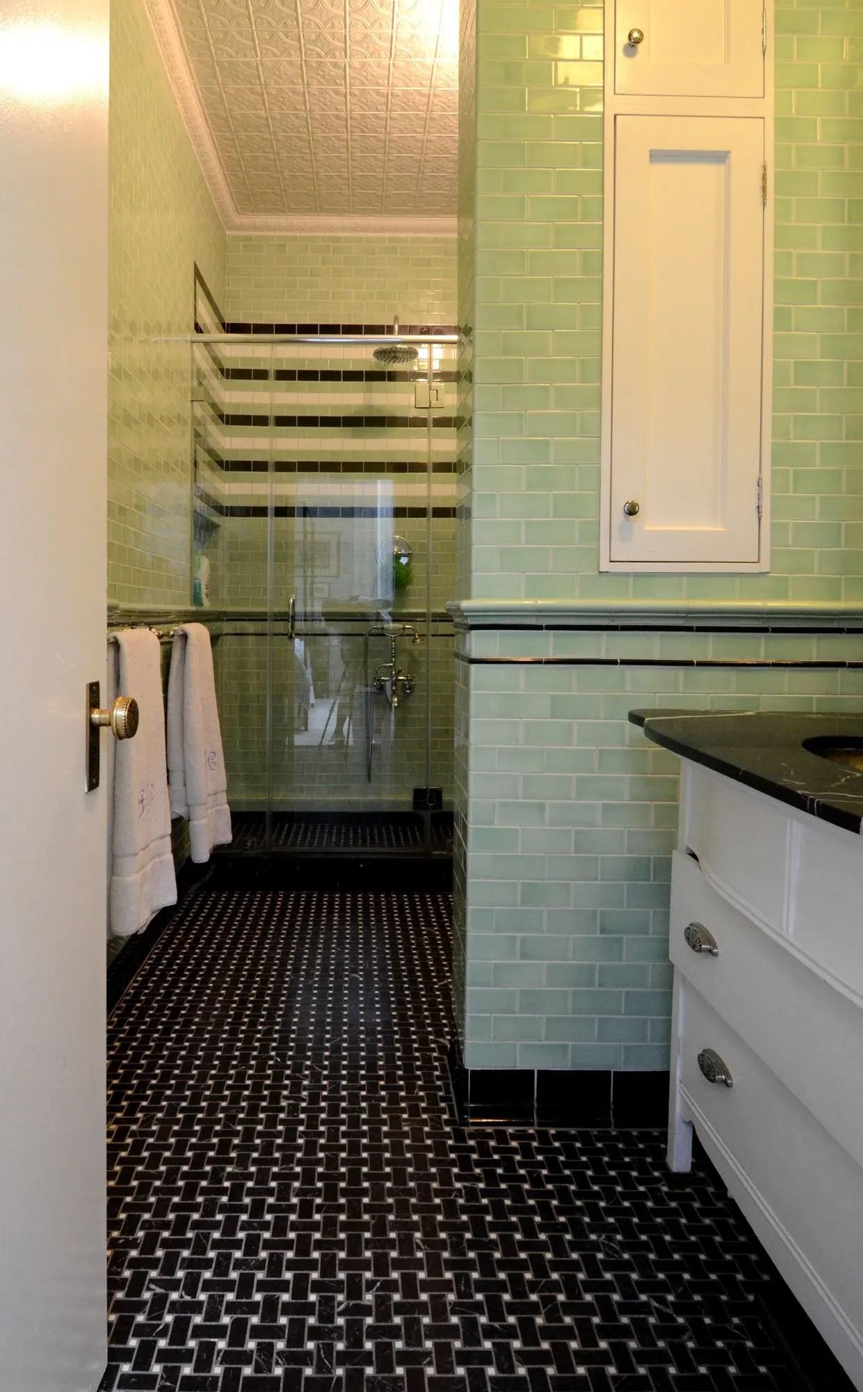 crackle glaze tile trend kitchen bath