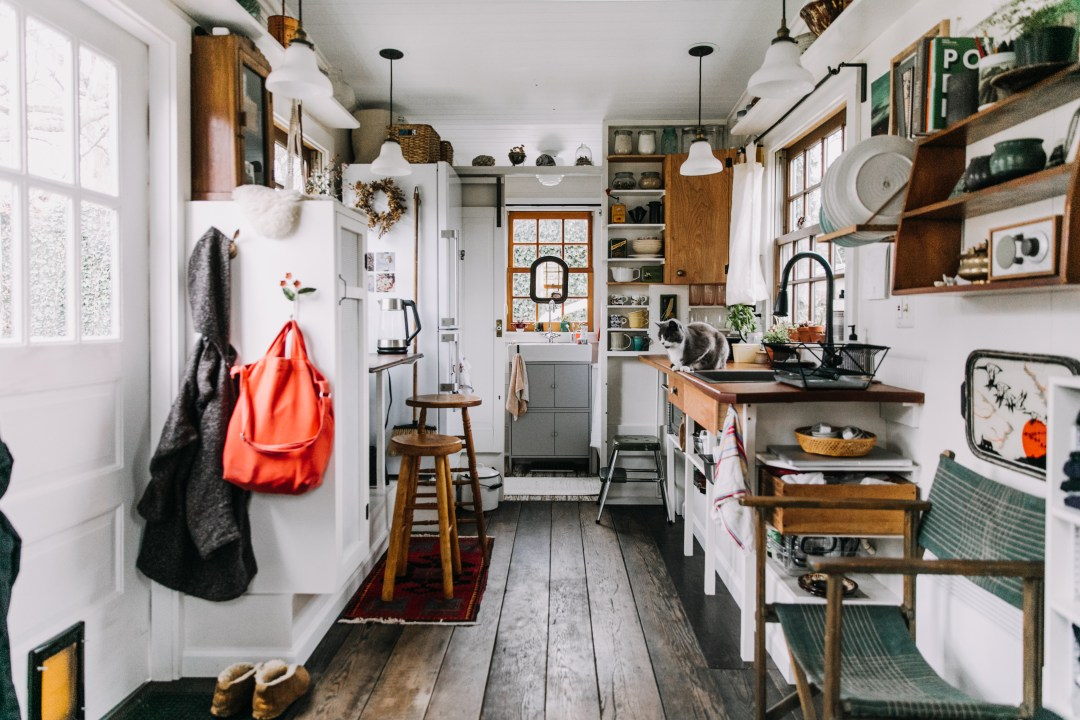 """What """"Tiny House Nation"""" Doesn't Show You About Living in a Tiny Home"""