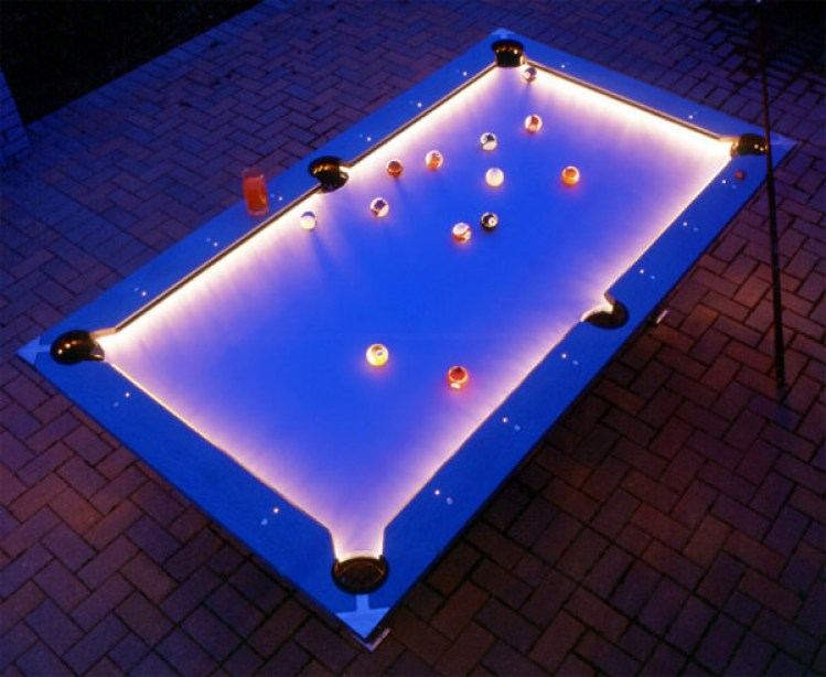 33-outdoor_pool_table_light