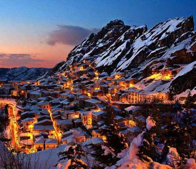 Places-You-Should-Visit-This-Winter-36