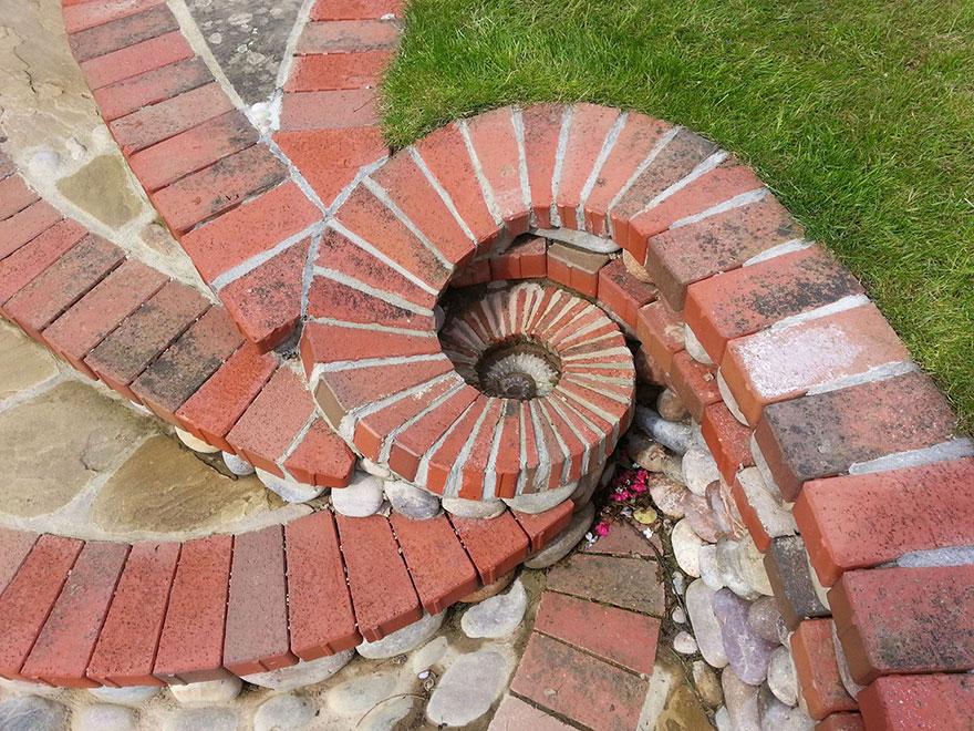 AD-Stone-Sculptures-Mosaic-Johny-Clasper-03