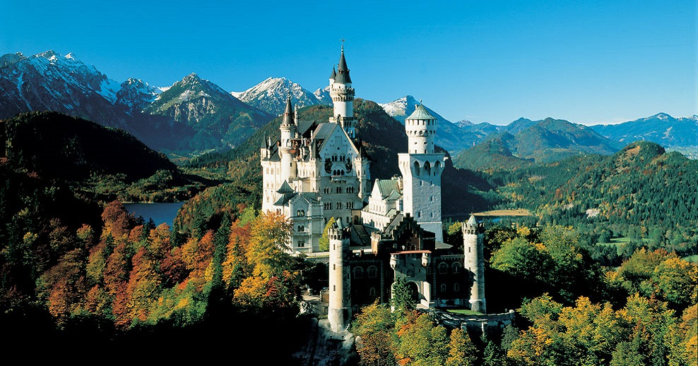 25 Magnificent Castles And Their Fascinating Ancient