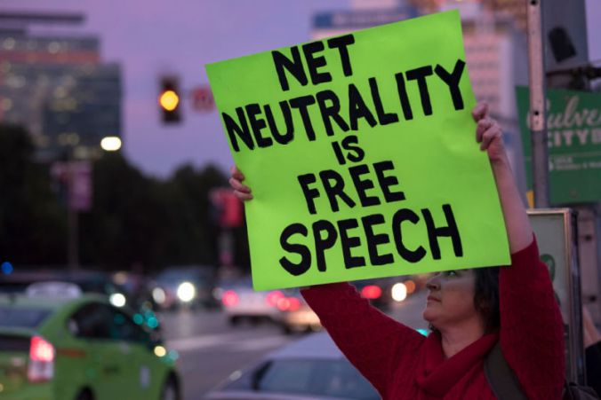 getty-net-neutrality-sign-california-800