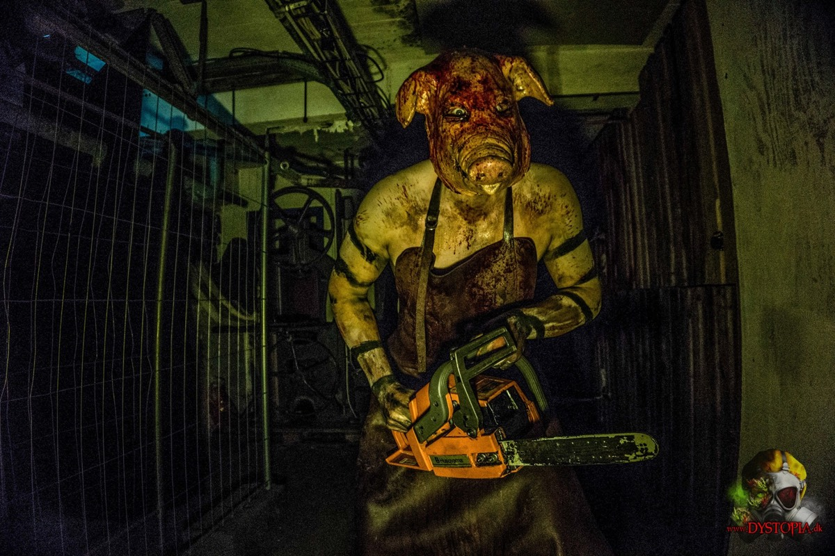 """A """"scare actor"""" terrifies guests by threatening them with a chainsaw. Or, in psych-speak, he does so via """"a behavioral display of violent hostility and dissonance-inducing mask."""""""