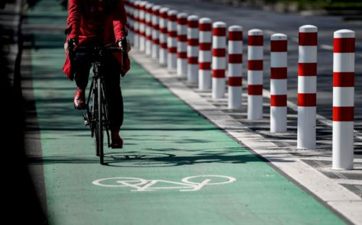 Bike lanes need physical protection from car traffic, study shows