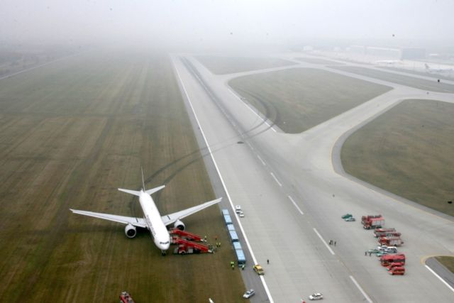 An instrument landing system malfunction caused Singapore Airlines flight SQ327 to slide off the runway shortly after landing in Munich in 2011.