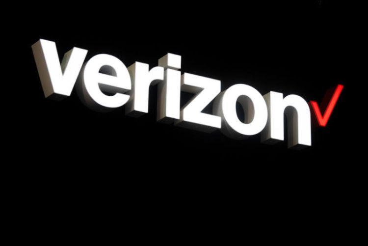 A Verizon logo on top of a black background.