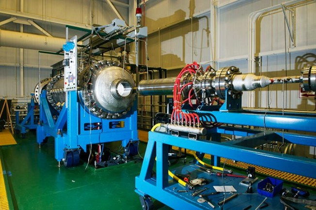Simulator roket nuklir NASA, NTREES, sedang menguji bahan-bahan yang dapat menahan panas ekstrem.