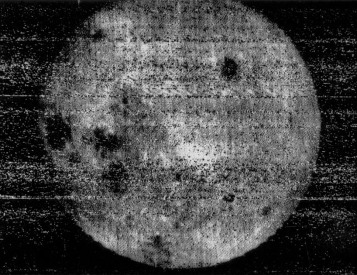 The first image returned by Luna 3 to Earth.