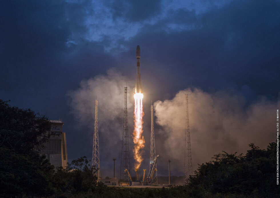 Soyuz ascends from the Spaceport in French Guiana in February 2019 carrying the first six satellites for OneWeb.