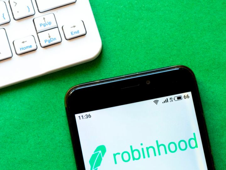 Robinhood ordered to pay $70m penalty to US regulator
