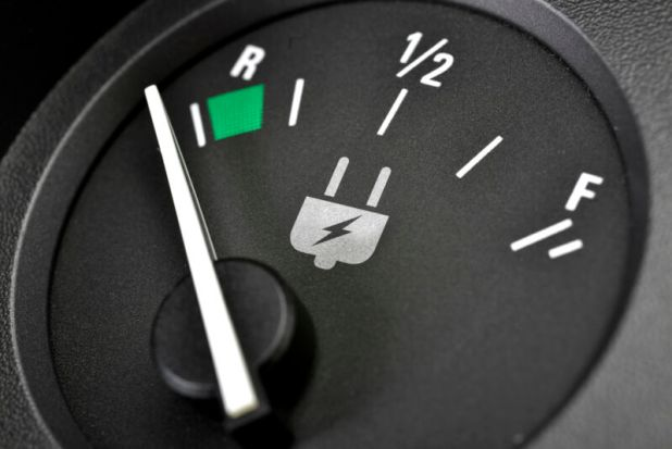 How long can you drive an electric car at 70mph?