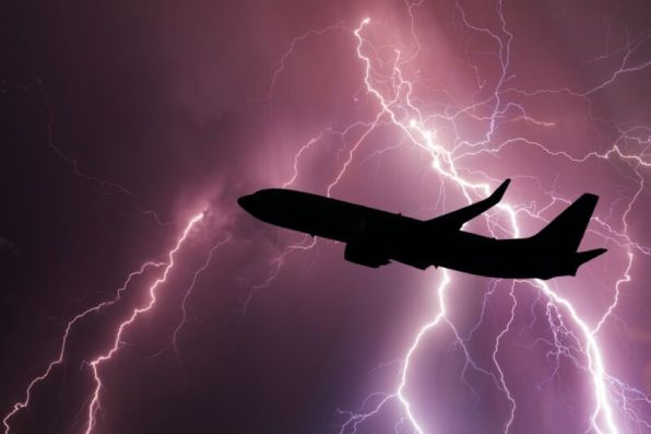 """How """"St. Elmo's fire"""" could help protect aircraft from lightning strikes 