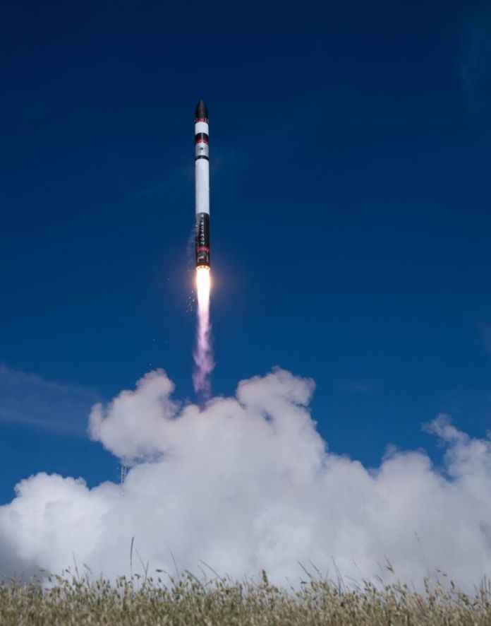 Image of a rocket leaving the launch pad.