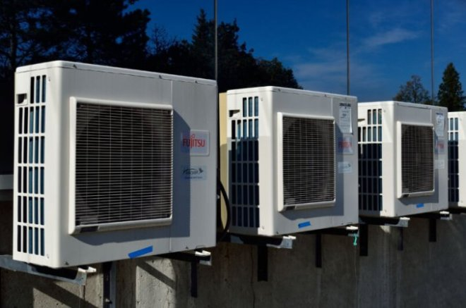 """air-conditioners-800x530 EPA to eliminate climate """"super pollutants"""" from refrigerators, air conditioners 