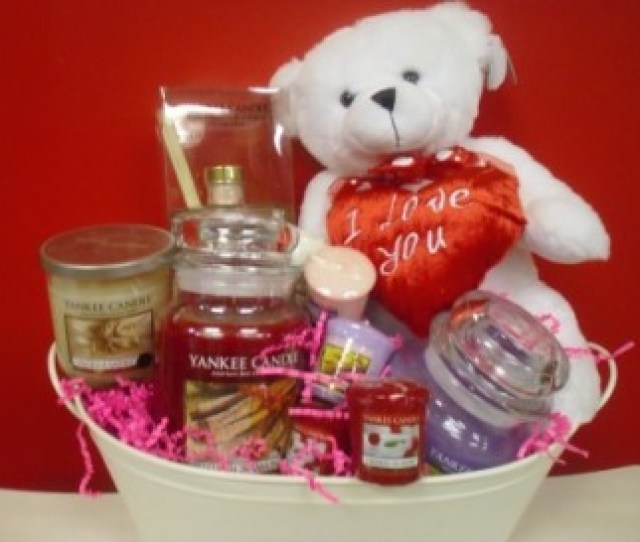 Yankee Candle Valentine Gift Basket Perfect For The Yankee Candle Lover