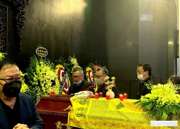 Đồng nghiệp, khán giả ngậm ngùi khi nghe kể phút cuối của NSND Trần Hạnh 8
