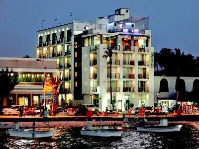 Hotel Seven Crown La Paz Malecón en La Paz | BestDay.com