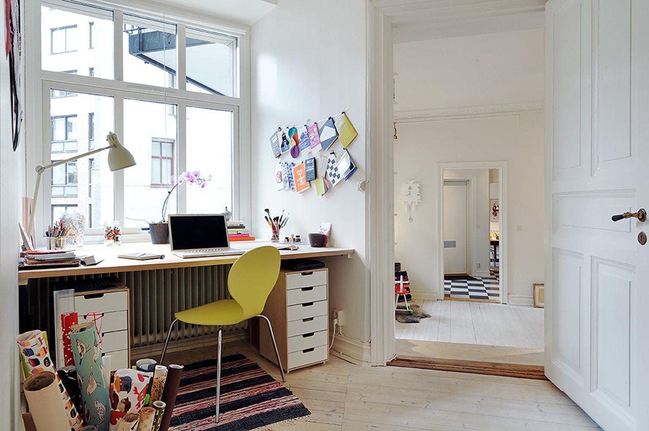 Scandinavian-style Three-Room Apartment