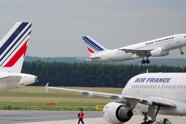 Paris and EU agree deal to save Air France from financial disaster