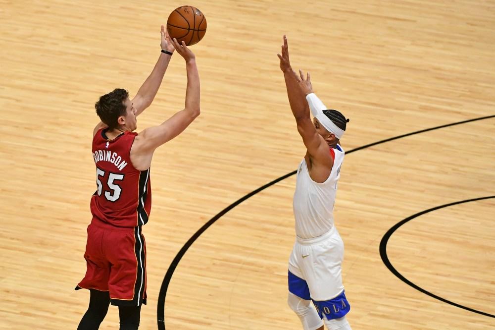 Heat beat Pelicans 111-98