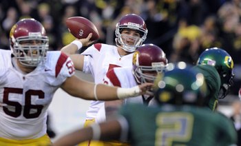 EUGENE, OR - OCTOBER 31: Quarterback Matt Barkley #7 of the USC Trojans throws a pass in the second quarter of the game against the Oregon Ducks at Autzen Stadium on October 31, 2009 in Eugene, Oregon. Oregon defeated USC 47-20. (Photo by Steve Dykes/Gett