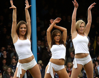 Southend_united_cheerleaders_10_display_image