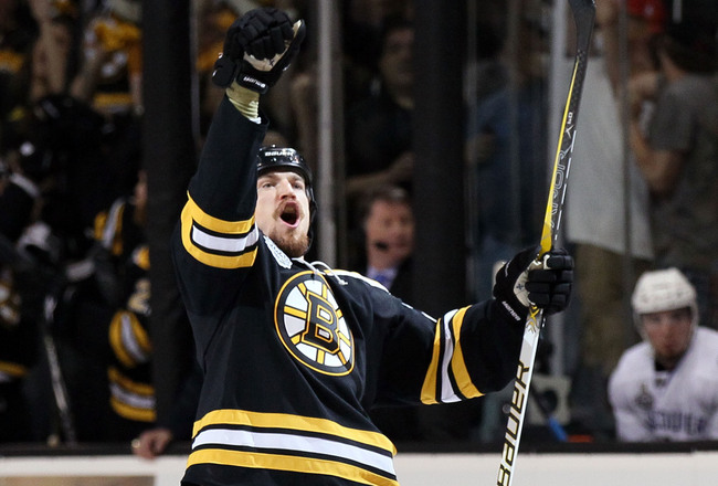Andrew Ference has signed with the Edmonton Oilers.