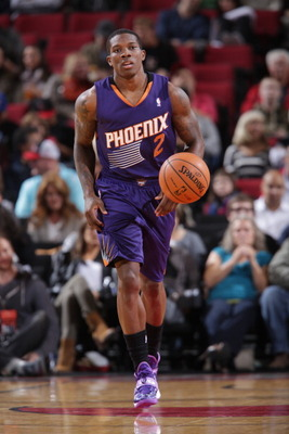 https://i2.wp.com/cdn.bleacherreport.net/images_root/slides/photos/003/387/534/183790909-eric-bledsoe-of-the-phoenix-suns-moves-the-ball-up_display_image.jpg