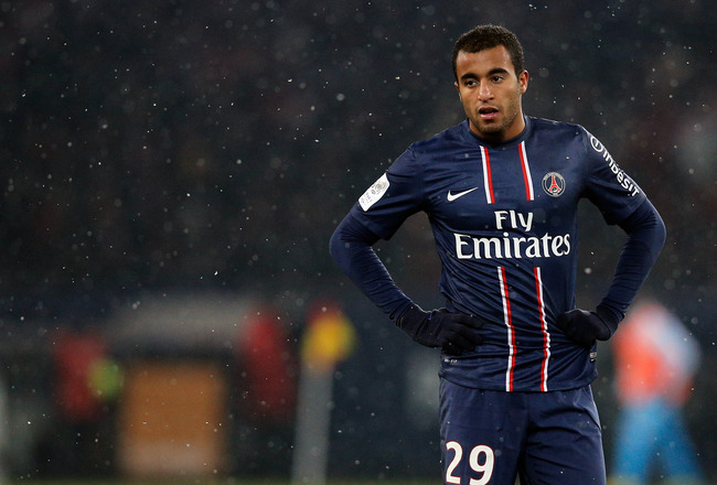 Hi-res-162649114-lucas-moura-of-psg-looks-on-during-the-ligue-1-match_crop_650x440