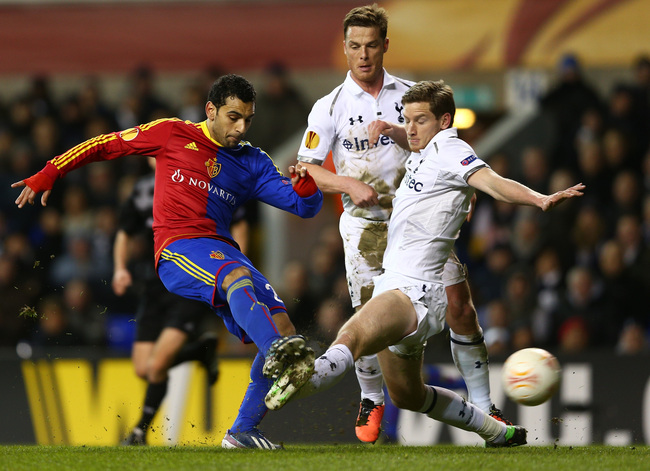 Hi-res-165540380-mohamed-salah-of-fc-basel-is-tackled-by-jan-vertonghen_crop_650