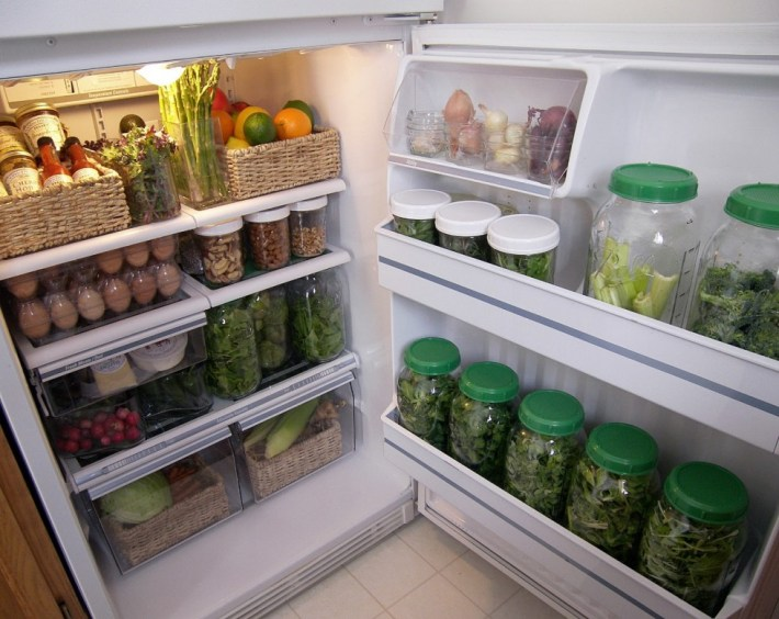 http://www.theintentionalminimalist.com/2013/04/seasonal-cooking-and-produce-storage.html