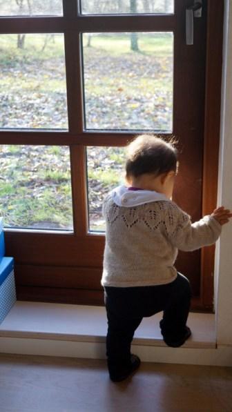 Yndigste lille Luca Elisabeth, som øver sig i at stå og gå - hele tiden <3