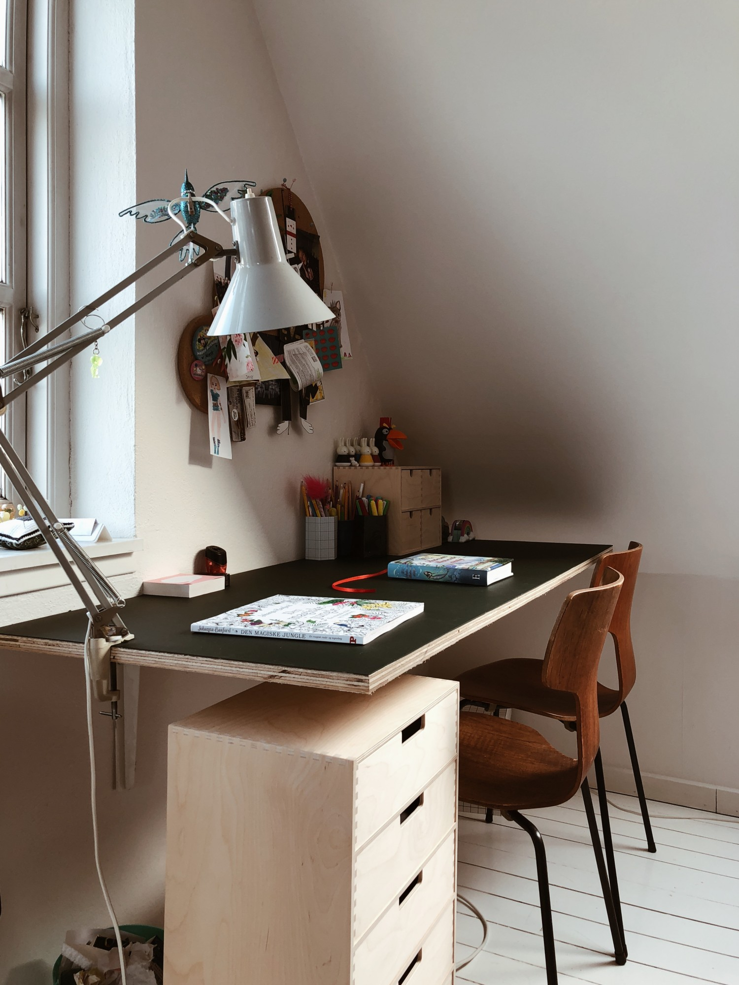 sort bordplade skrivebord