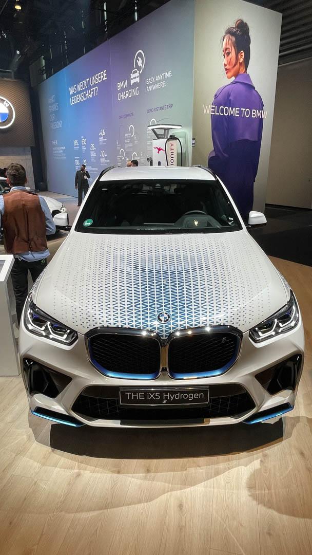 BMW X5 i Hydrogen NEXT 15 of 25