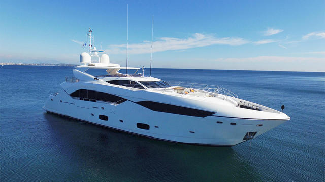 SOLD! The incredible Sunseeker 115 Sport Yacht 'LIVING THE DREAM' has been sold by William Burns