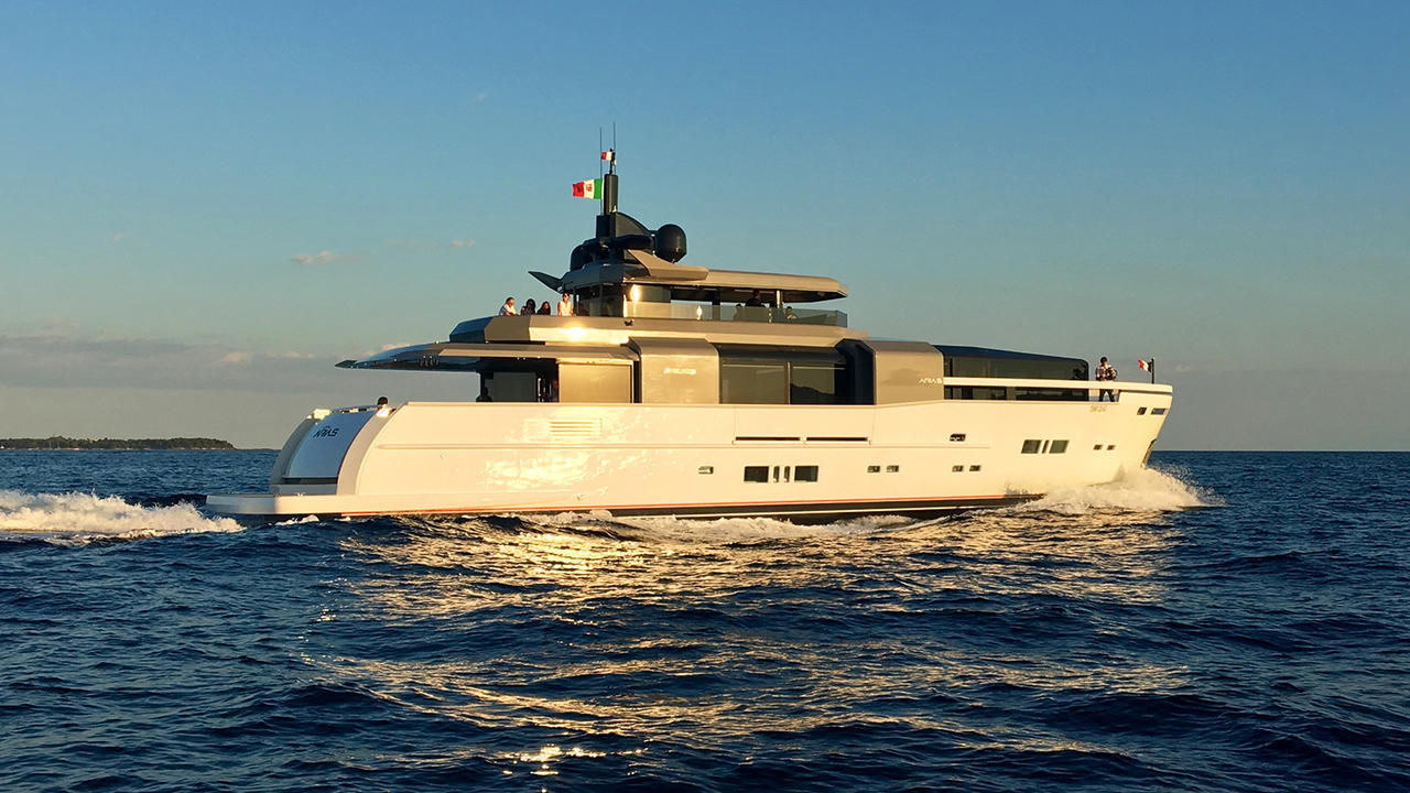 First Arcadia 100 Yacht Launched And Named Aria S Boat