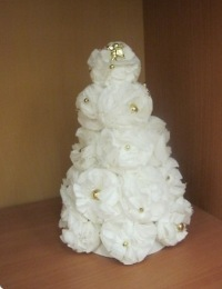 New Year's Christmas tree made of paper napkins with your own hands, photo № 21