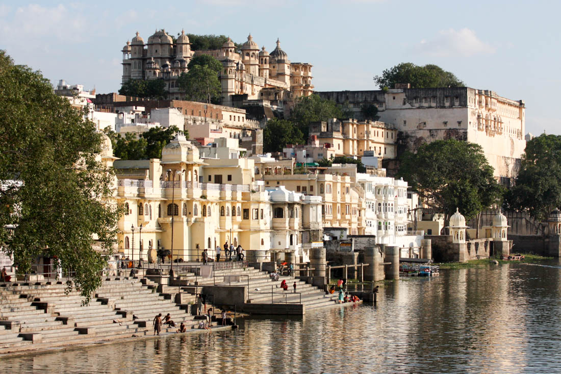 Udaipur Travel Costs Amp Prices Lake Pichola City Palace