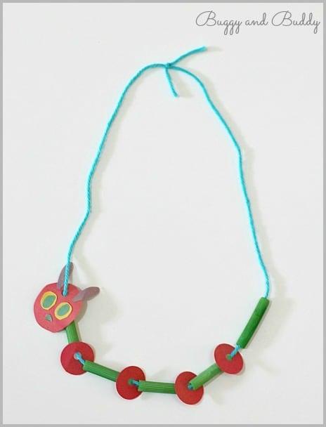 Artesanía para niños: Muy hambriento Caterpillar Collar ~ Buggy and Buddy