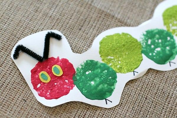 El muy hambriento Caterpillar esponja estampado artesanía para niños ~ Buggy y Buddy