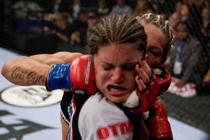 https://i2.wp.com/cdn.c.photoshelter.com/img-get2/I0000HUYSOlWxiNE/fit=1000x750/Cris-Cyborg-vs-Gina-Carano.jpg?w=723