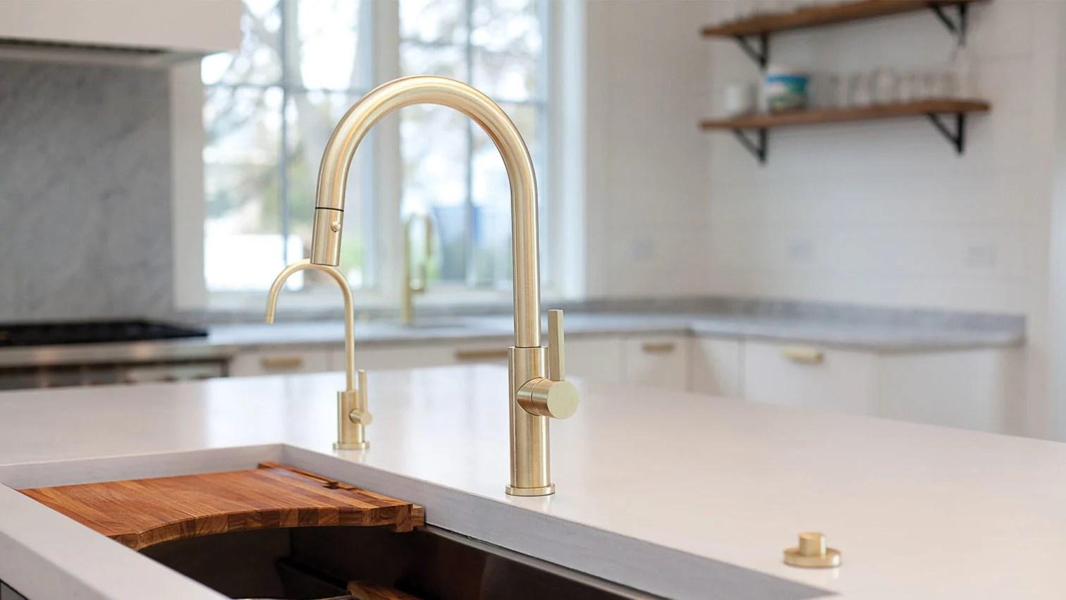 corsano series kitchen faucet