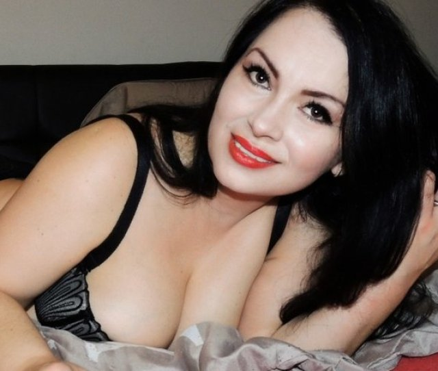Hot  Minutes Free Livecam Action Waiting For You