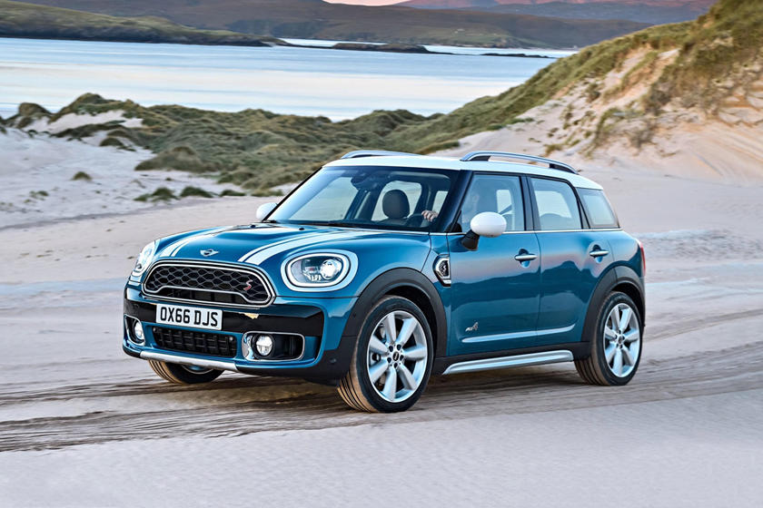 2017-2020 MINI Cooper Countryman Front View Driving